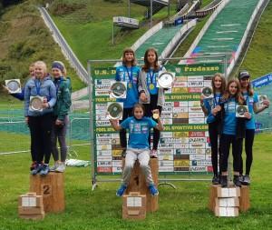 podio salto a squadre femminile